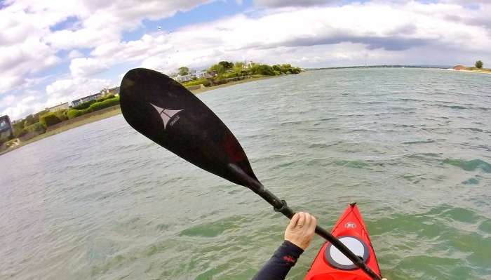 Why go carbon? The benefits of carbon kayaking paddles 2